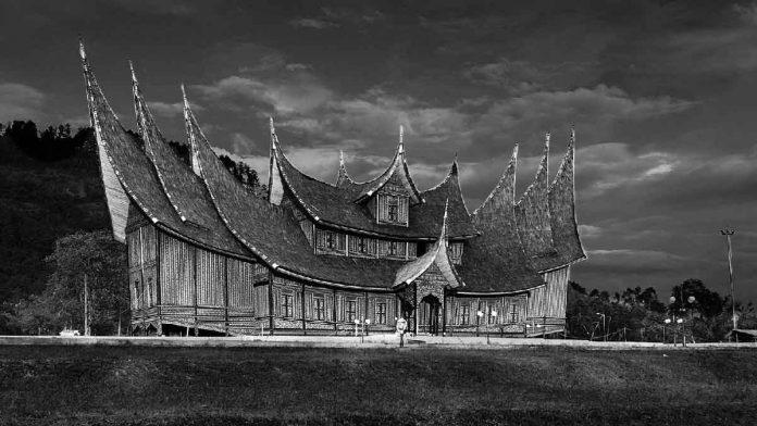 Arsitektur rumah gadang
